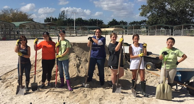 University of Miami Pre-Vet Students Pitch In at South Florida SPCA